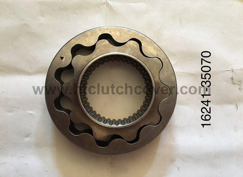 16241-35070 Oil Pump for kubota D1105 V1505 engine