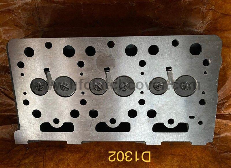 kubota D1302 diesel engine cylinder head